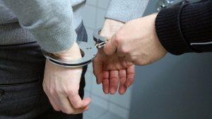 handcuffs 2102488 640 300x169 - KANZLEI FÜR STRAFRECHT OBERHAUSEN